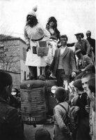04.Απόκριες στην Πεντάπολη το 1957.jpg